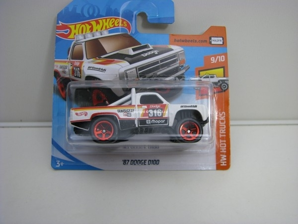 Dodge D100 9/10 HW Hot Trucks Hotwheels 2018