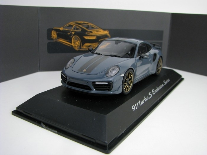 Porsche 911 turbo S Exclusive series Grey 1:43 Spark