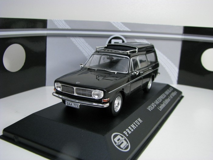 Volvo 145 Express 1969 Black 1:43 Triple 9 Collection