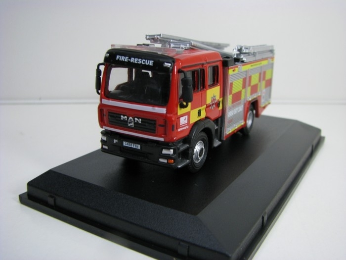 Man pump ladder Fire Hartfordshire 1:76 Oxford
