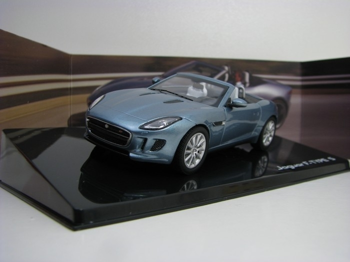 Jaguar F-Type V8 Satelite Grey 1:43 Ixo Models