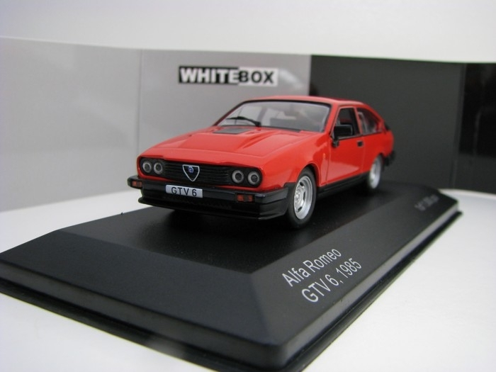 Alfa Romeo GTV 6 1985 Red 1:43 White Box WB154