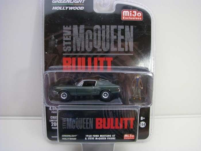 Ford Mustang GT 1968 s figurkou Steve McQuen 1:64 Greenlight Hollywood 51207