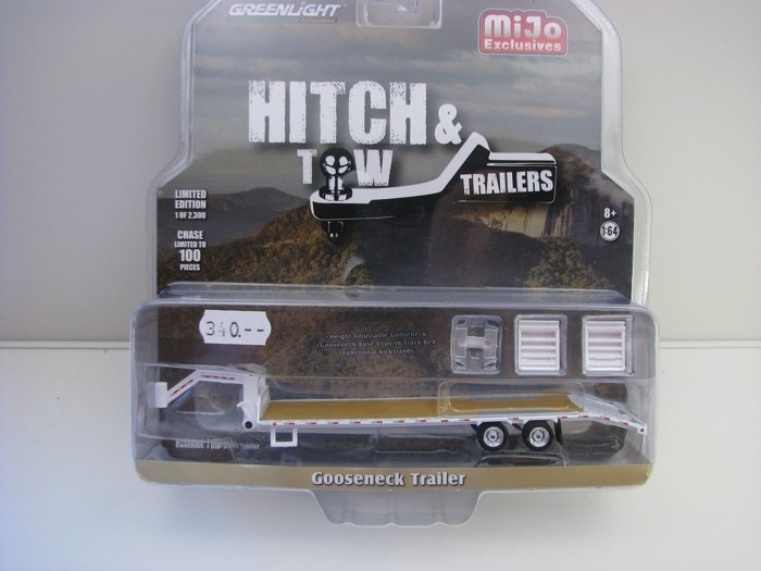 Přívěs Gooseneck Trailer White 1:64 Hitch & Tow Greenlight 51214