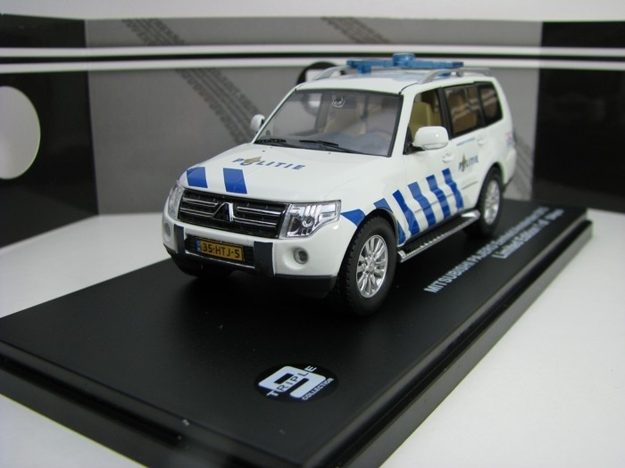 Mitsubishi Pajero Politie Eenheid Amstrdam 2013 1:43 Triple 9 Collection T9-43073