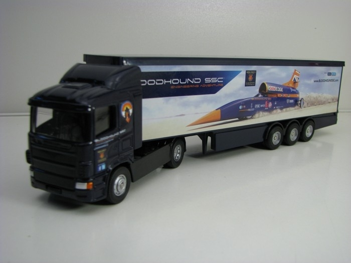 Bloodhound SSC UK Super Hauler 1:64 Corgi TY86663