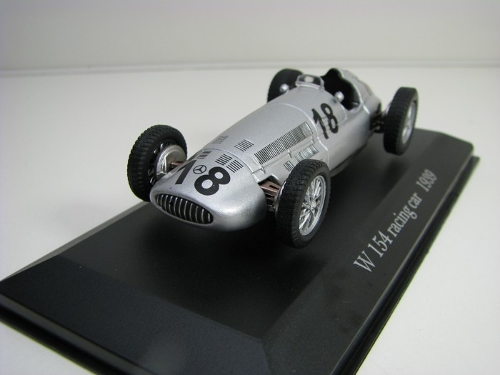 Mercedes-Benz W 154 R racing car No.18 1939 Atlas Edition