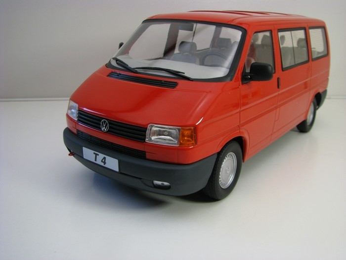 Volkswagen T4 Carevelle 1992 Red 1:18 KK Scale