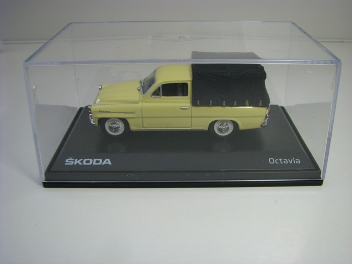 Octavia 1963 Pick UP s nákladem Light Ivory 1:43 SAL