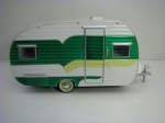 Caravan Catolac Deville 1958 Green Hitch & Tow Trailer 1:24 Greenlight
