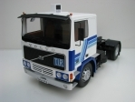 Volvo F12 Tahač 1977 White/Blue 1:18 Road Kings