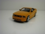 Ford Mustang GT 2006 Orange 1:43 Bburago