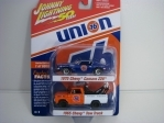 2Pack Union 76 Chevy Camaro a Chevy Tow Truck 1:64 Johny Lightning