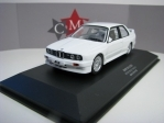 BMW M3 E30 White body version 1:43 CMR 43036