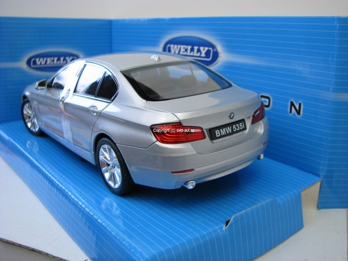 BMW 535i silver metal 1:24 Welly