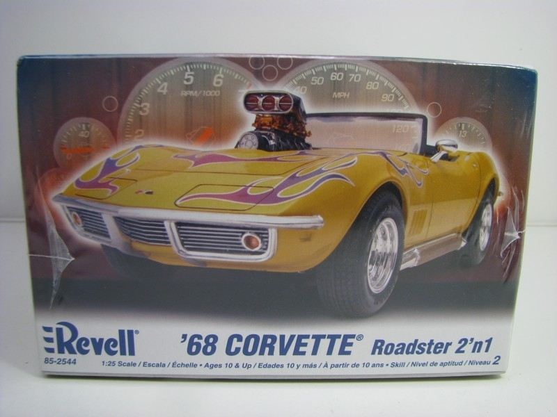 Chevrolet Corvette Roadster 1968 2v1 kit 1:25 Revell 852544