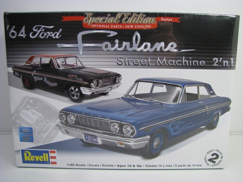 Ford Fairlane 2v1 1966 kit 1:25 Revell 852076