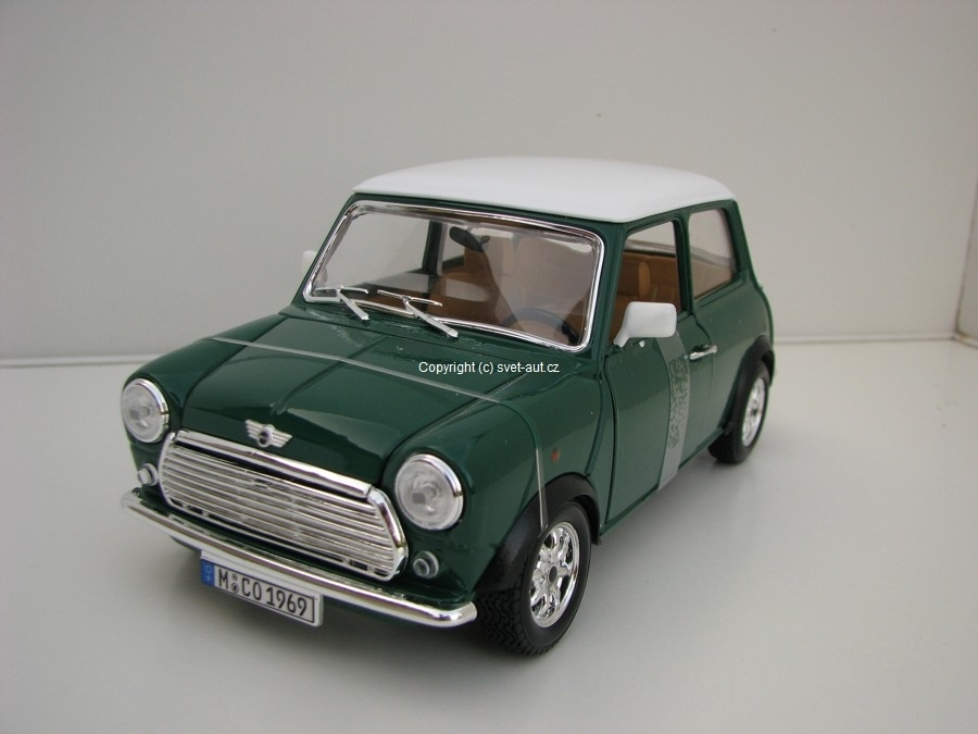 Mini Cooper 1969 Green White rof 1:18 Bburago