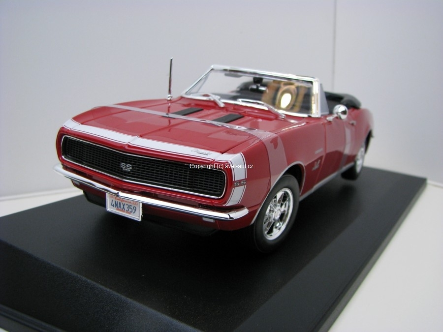 Chevrolet Camaro SS 396 Convertible 1967 red 1:18 Maisto