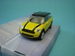 Mini Clubman yellow Black 1:43 Mondo Motors