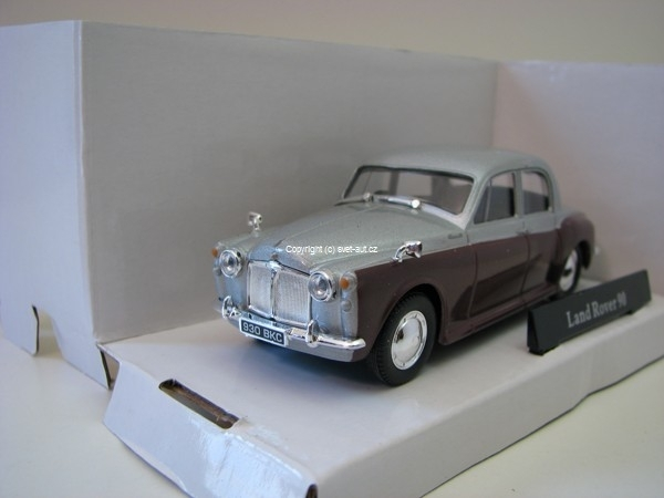 Land Rover 90 silver brown 1:43 Cararama