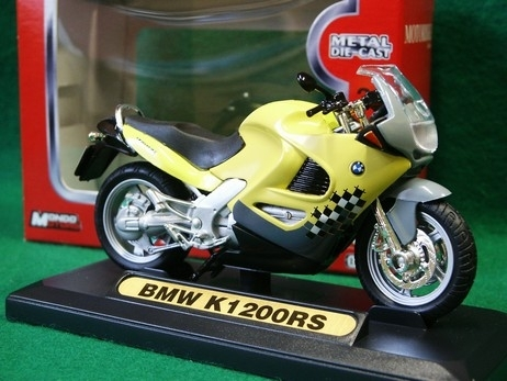 BMW K1 200RS žlutá 1:18 Mondo Motors