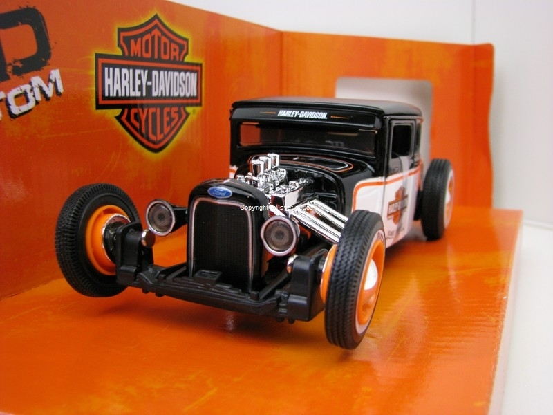 Ford model A 1929 white Harley-Davidson 1:24 Maisto