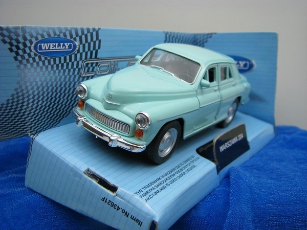 Warszawa 224 light blue 1:32 - 36 Welly