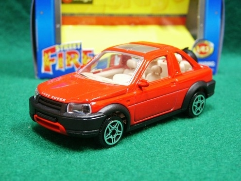 Land Rover Freelander Red 1:43 Bburago