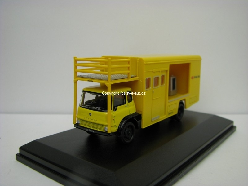 Bedford TK Britisch rail Emergency brining unit open 1:76 Oxford