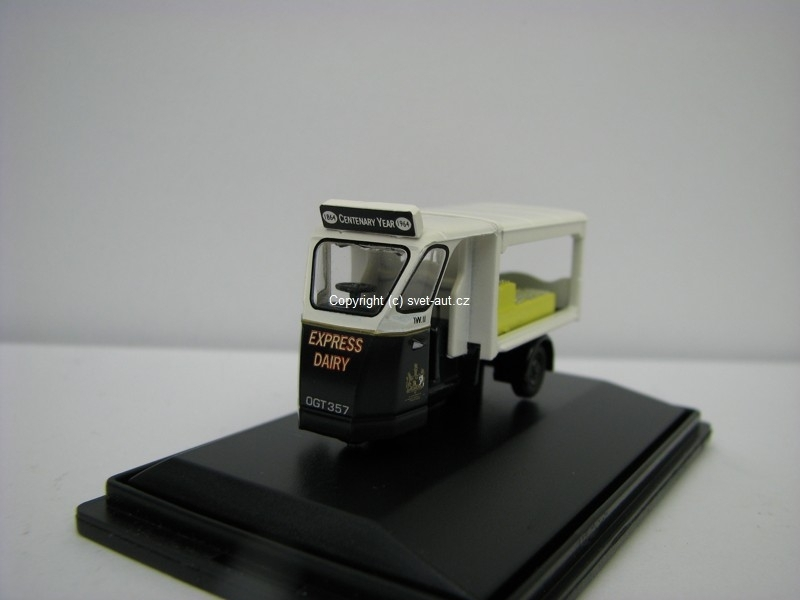 Mechanical Horse Milk Float Express Dairies 1:76 Oxford