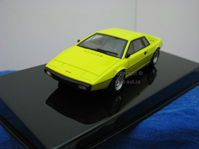 Lotus Esprit Type 79 yellow 1:43 Autoart