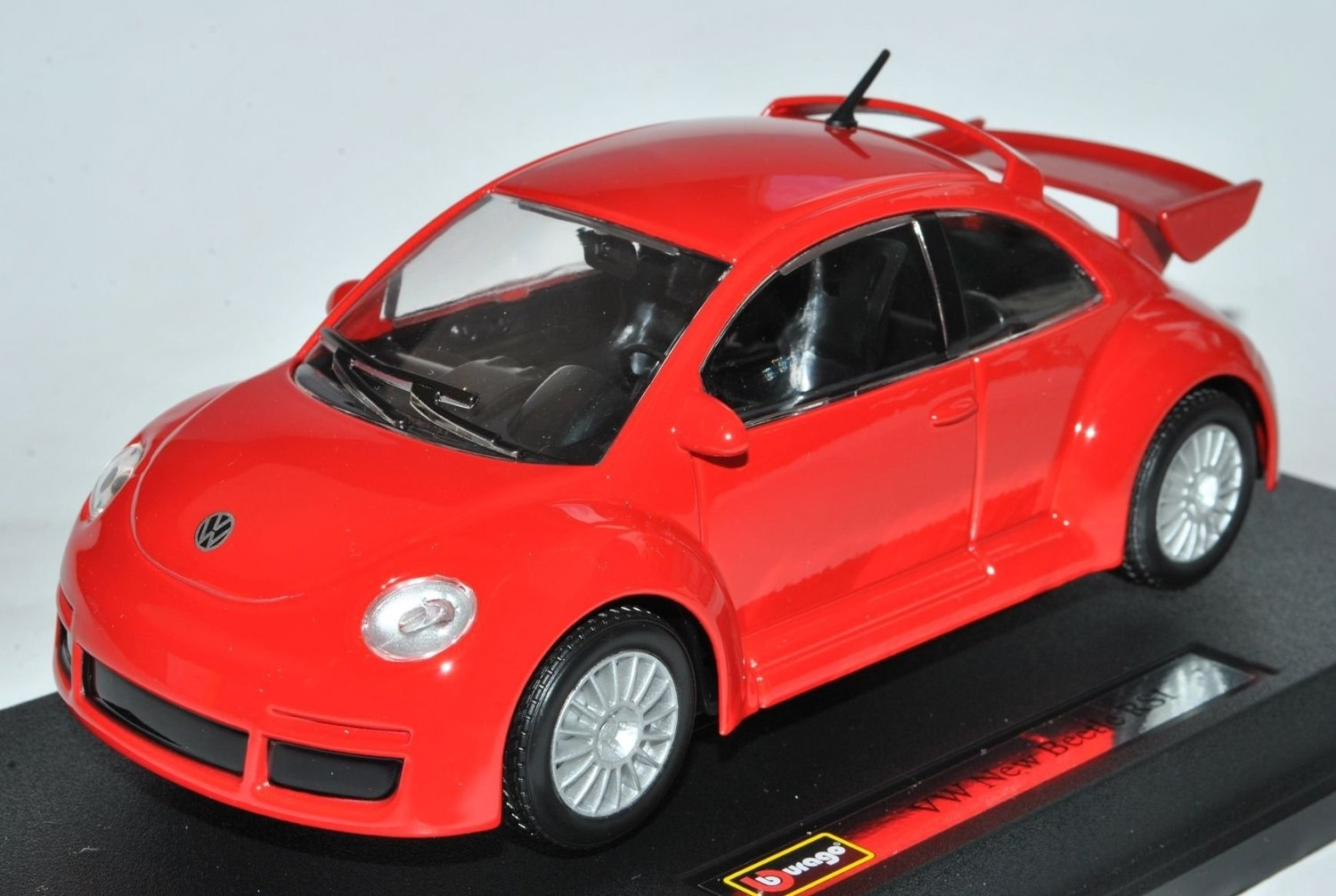 Volkswagen New Beetle RSI 2012 Red 1:24 Bburago