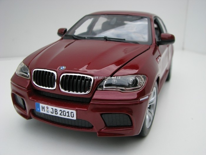 BMW X6 M purple 1:18 Bburago