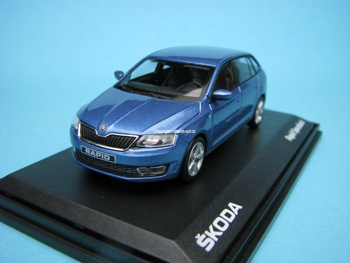 Škoda Rapid Spaceback modrá denim met 1:43 Abrex