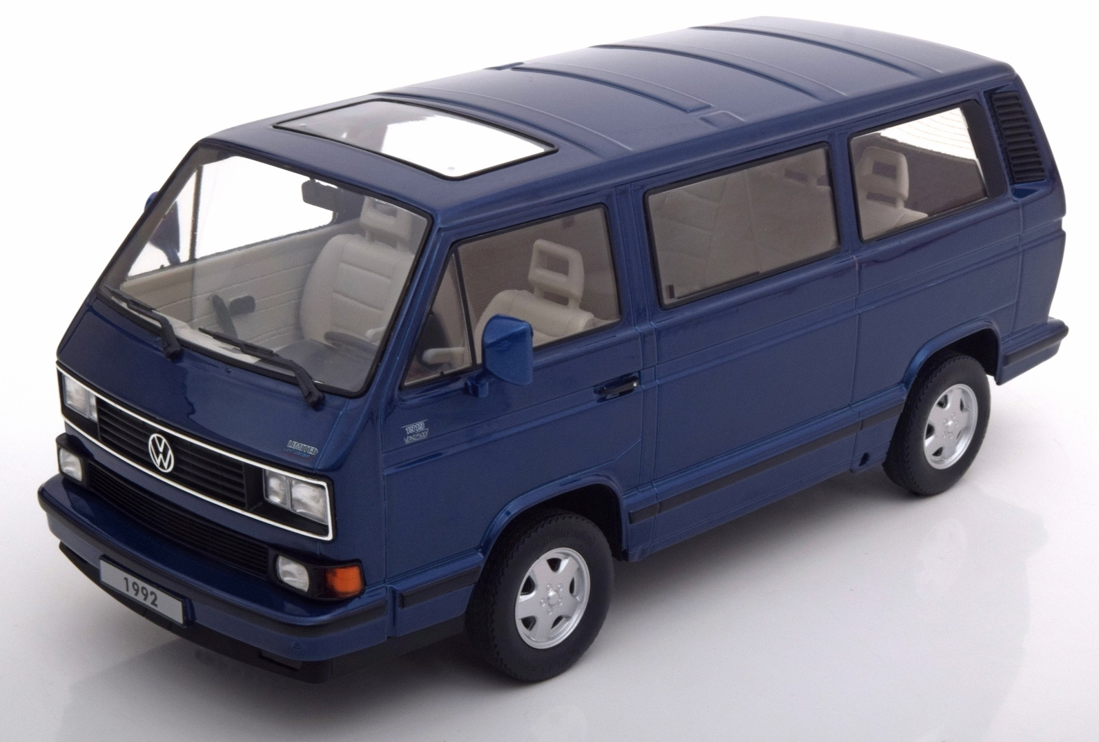 Volkswagen T3 Bus 1992 Blue Limited last edition 1:18 KK scale