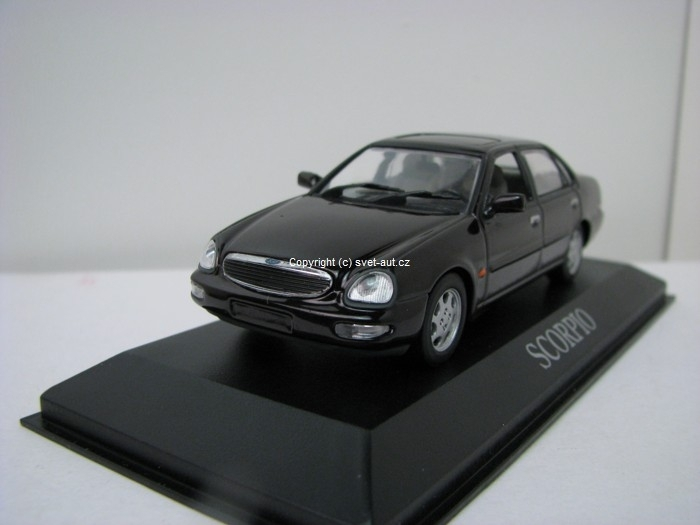 Ford Scorpio sedan dark brown 1:43 Minichamps
