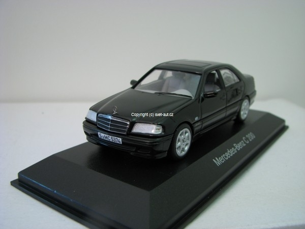 Mercedes-Benz C 200 black 1:43 Minichamps