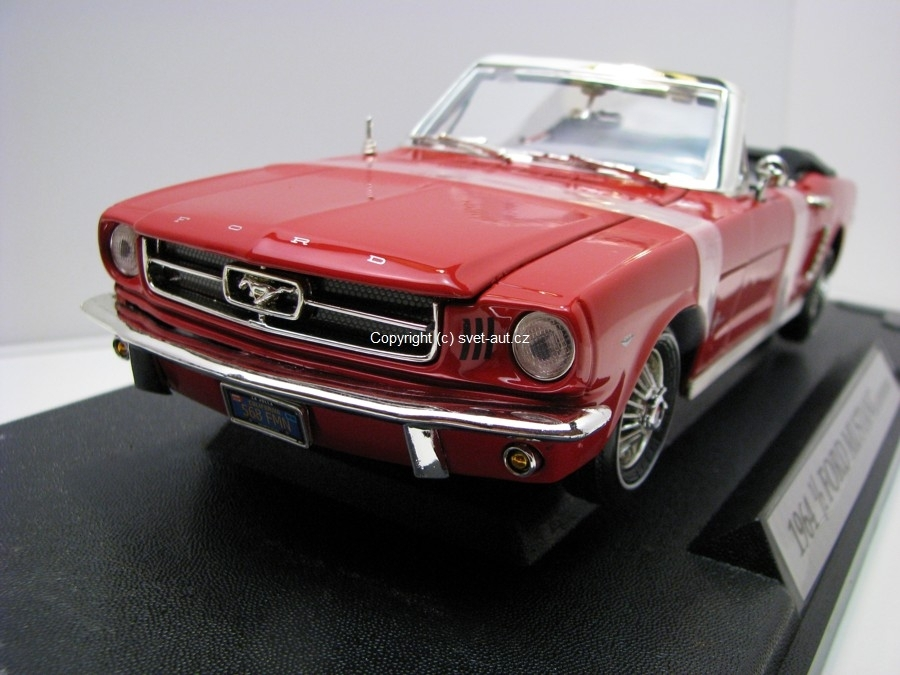 Ford Mustang 1/2 Convertible 1964 Red 1:18 Motormax
