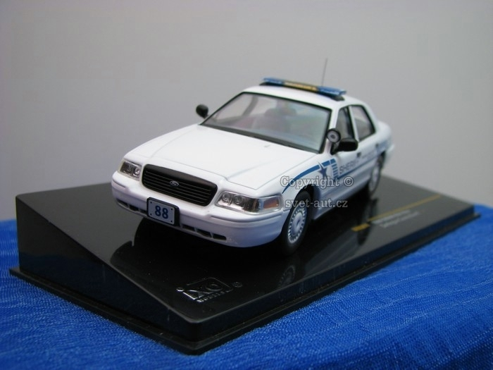 Ford Crown USA Police 1:43 Ixo