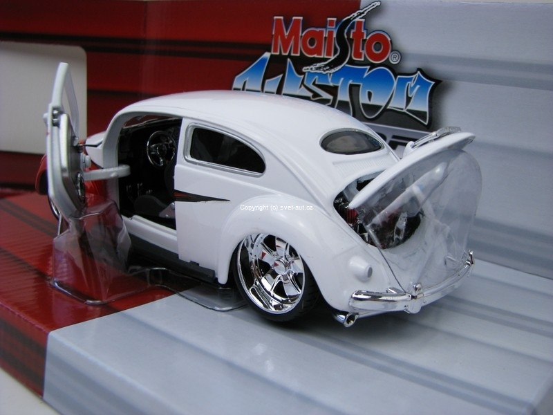 Volkswagen Beetle Tuning red white 1:24 Maisto 31023