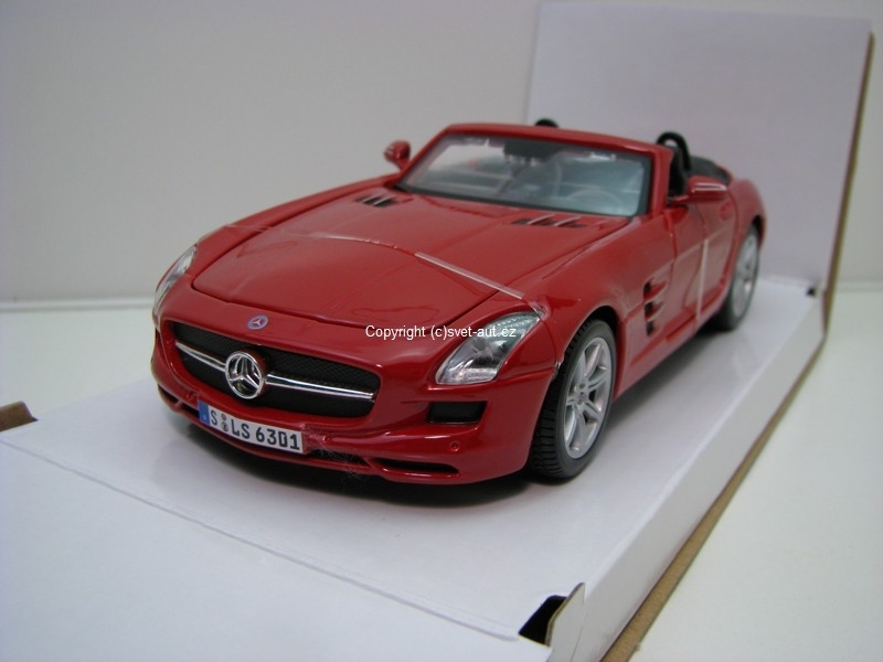 Mercedes-Benz SLS AMG Roadster red 1:24 Maisto
