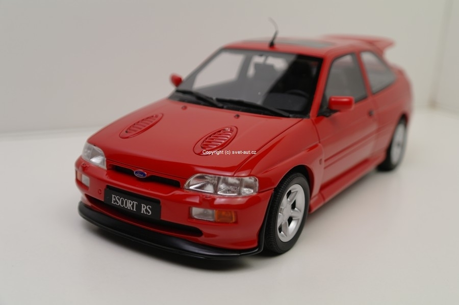 Ford Escort RS red 1:18 Ottomobille
