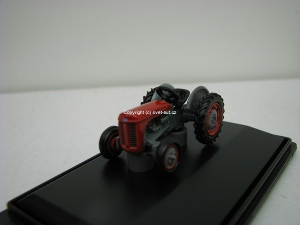 Ferguson Tea Traktor red 1:76 Oxford
