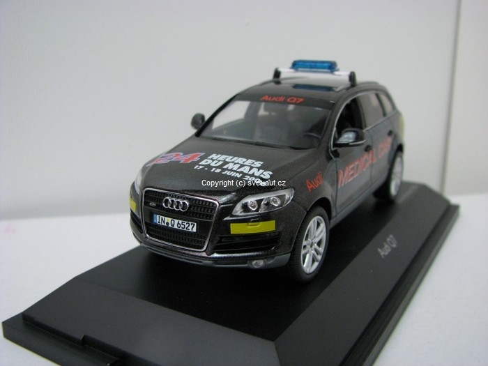 Audi Q7 Medical Car 24h Le Mans Black 1:43 Schuco