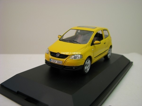 Volkswagen Polo Fox yellow 1:43 Schuco