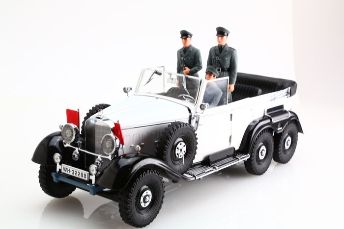 Mercedes-Benz G4 1938 White with 3 Figures Premier Miniature 1:18 Signature Models