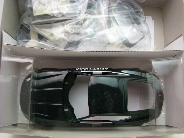 Jaguar XK Coupe Kit Green 1:24 Welly