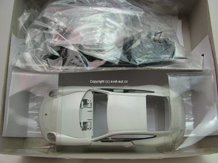 Porsche 911(997) Carrera S Coupe Kit White 1:24 Welly