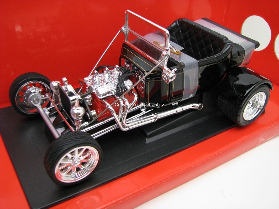 Ford T-Bucket 1923 black 1:18 Yat Ming